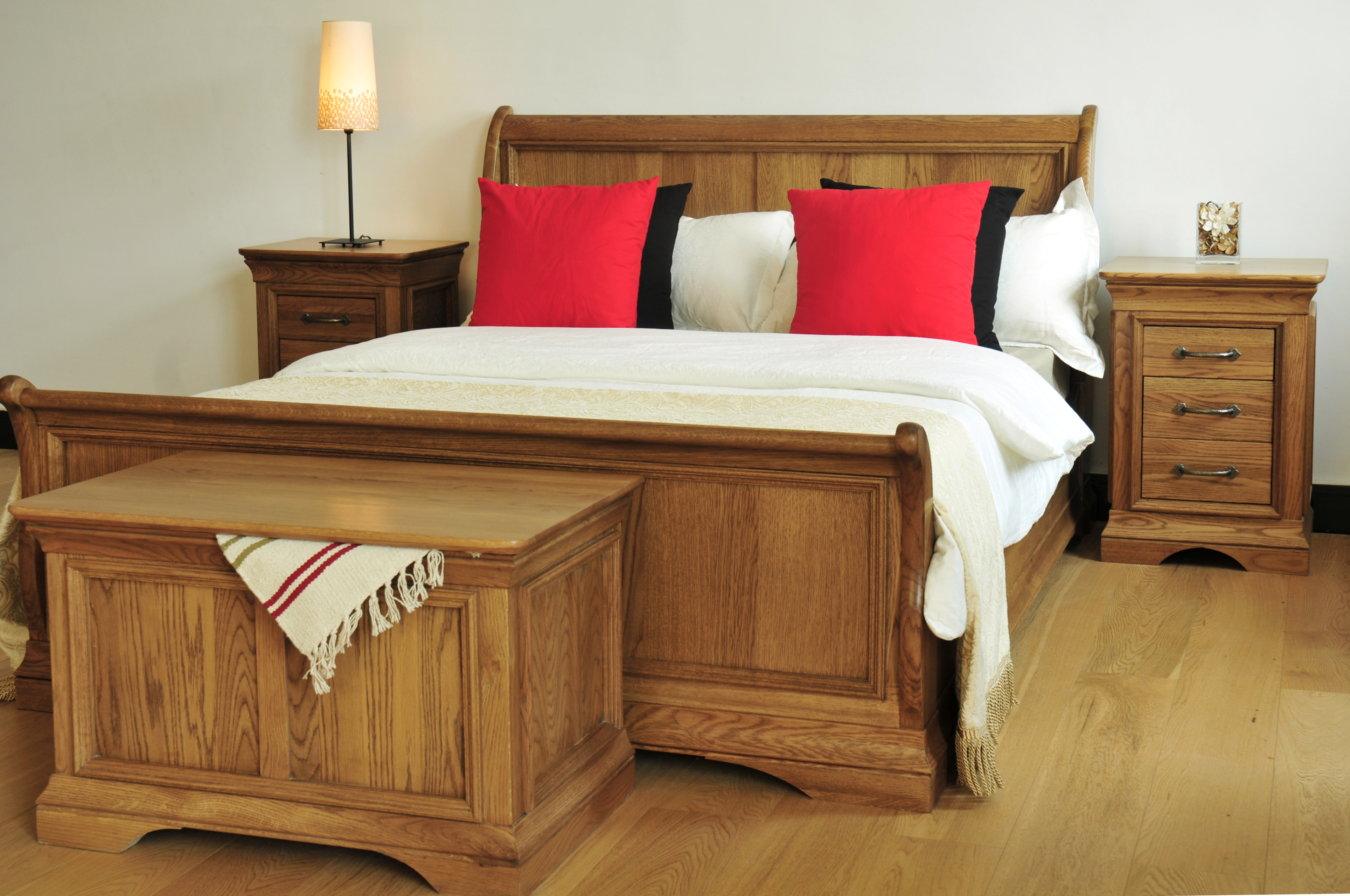 Chateau 5 39 High Foot End Sleigh Bed